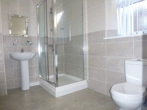 rooms - en-suite with shower